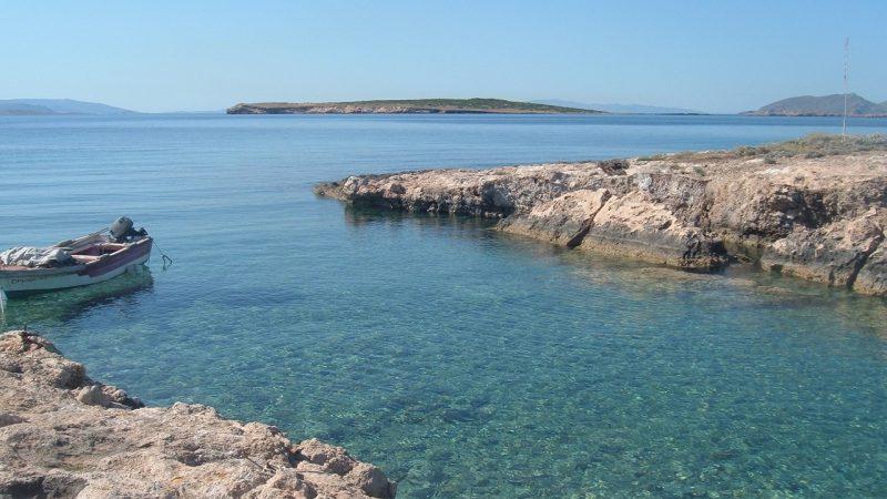 Île de Paros en Grèce : Un mélange de blanc et de bleu