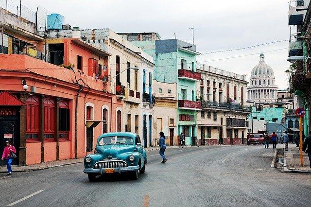 Pourquoi opter pour des vacances au Cuba?
